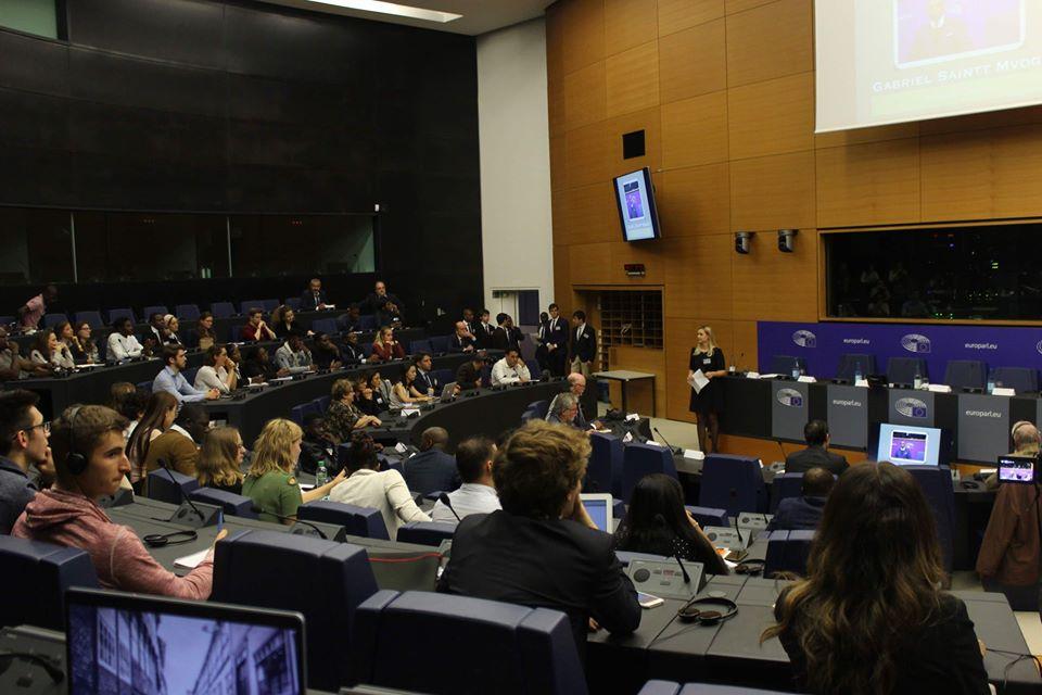 Compte-rendu de la conférence  « L'Europe et l'Afrique : un demi-siècle de coopération ; Relation inégalitaire ou en voie de renouvellement »
